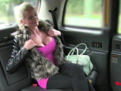 Blonde and sexy Cindy gets...
